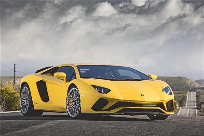 Lamborghini Aventador là siêu xe được tìm kiếm nhiều nhất trên Google tại Việt Nam. Siêu xe Audi R8 là cái tên được săn lùng hàng đầu trên Google ở 95 trên tổng số 169 quốc gia, vượt qua cả những cái tên đình đám của Bugatti và Lamborghini. Riêng tại Việt Nam, Lamborghini Aventador mới là siêu xe được tìm kiếm nhiều nhất. (CHI TIẾT)