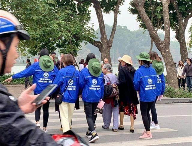 Bạn trẻ quảng bá du lịch Hà Nội nhân Hội nghị thượng đỉnh Mỹ - Triều Tiên - 4