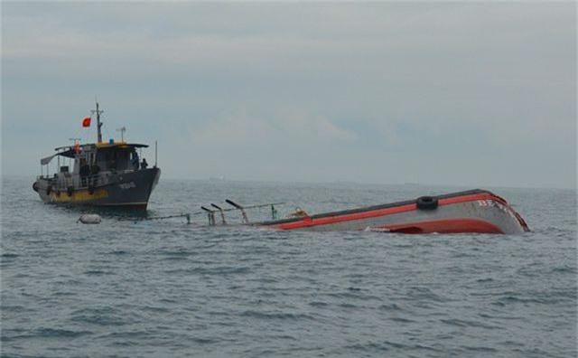 Tàu cá va chạm tàu hàng, 1 ngư dân tử nạn, 1 mất tích - 1