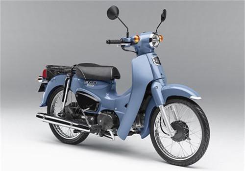 Honda Super Cub thêm màu mới thu hút khách hàng trẻ. Cả hai phiên bản Honda Super Cub 50 Street và 110 Street đều có thêm màu xanh nhạt và be, nhận đặt hàng đến hết tháng 6, giá từ 2.200 USD tại Nhật. (CHI TIẾT)