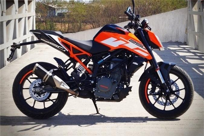 Cận cảnh naked bike 249cc, phanh ABS, giá 63,5 triệu đồng. KTM Duke 250 ABS 2019 sở hữu thiết kế và trang bị mới. Mẫu naked bike này được trang bị động cơ 249cc, phanh ABS nhưng giá bán chỉ 63,5 triệu đồng (CHI TIẾT)