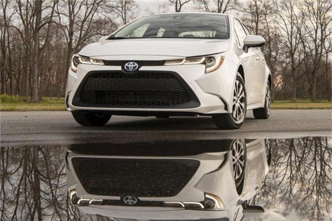 Chi tiet Toyota Corolla Altis moi gia tu 450 trieu dong-Hinh-3