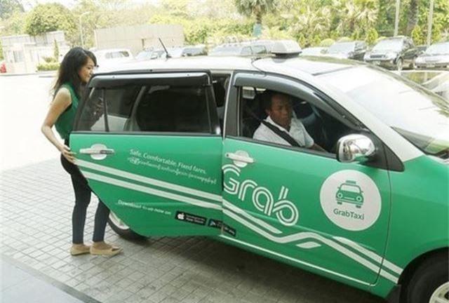 Nhiều tài xế Grab cũng như một số hãng taxi công nghệ khác đều phản đối việc gắn mào/hộp đèn cố định cho xe.