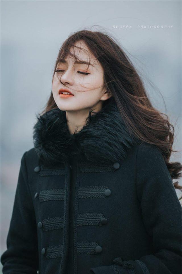 Nhan sắc xinh đẹp của thiếu nữ nổi tiếng nhờ một bức ảnh - 3