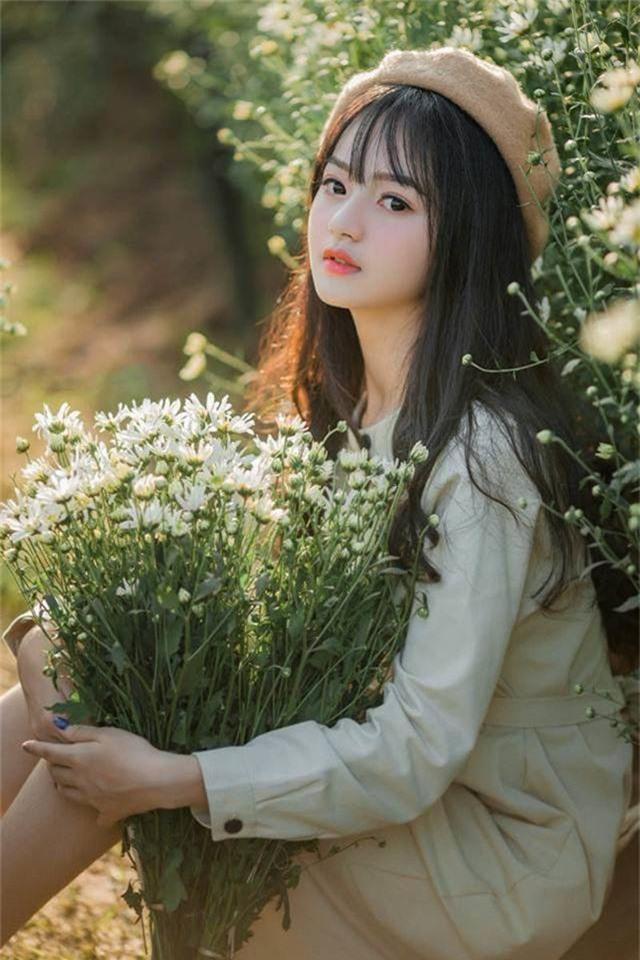 Nhan sắc xinh đẹp của thiếu nữ nổi tiếng nhờ một bức ảnh - 5