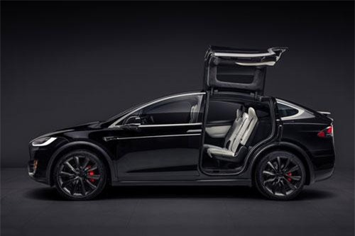 7. Tesla Model X Performance (giá khởi điểm: 137.000 USD).