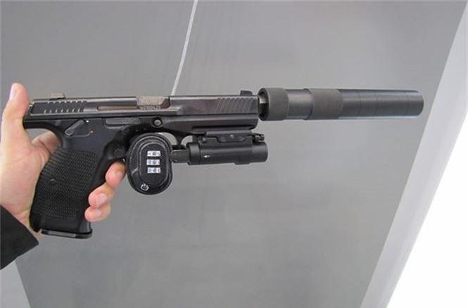 Bất ngờ dàn vũ khí mới của nhà sản xuất súng AK - ảnh 2