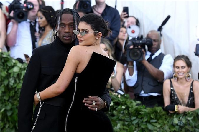 recording-artist-travis-scott-and-kylie-jenner-attend-the-news-photo-956425494-1533656938