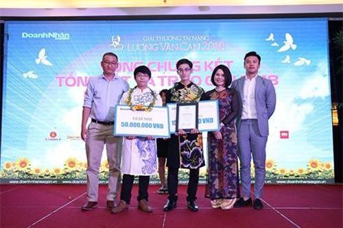 Bà Lâm trong buổi trao giải thưởng Lương Văn Can năm 2018. Ảnh: NVCC.