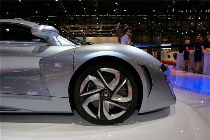 Siêu xe Trung Quốc có sức mạnh kinh hoàng ngang Bugatti Chiron