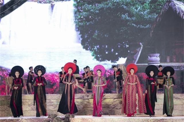 Hoa hậu H'Hen Nie cùng dàn sao hội ngộ tại Lễ hội cà phê Tây Nguyên - Ảnh 5.