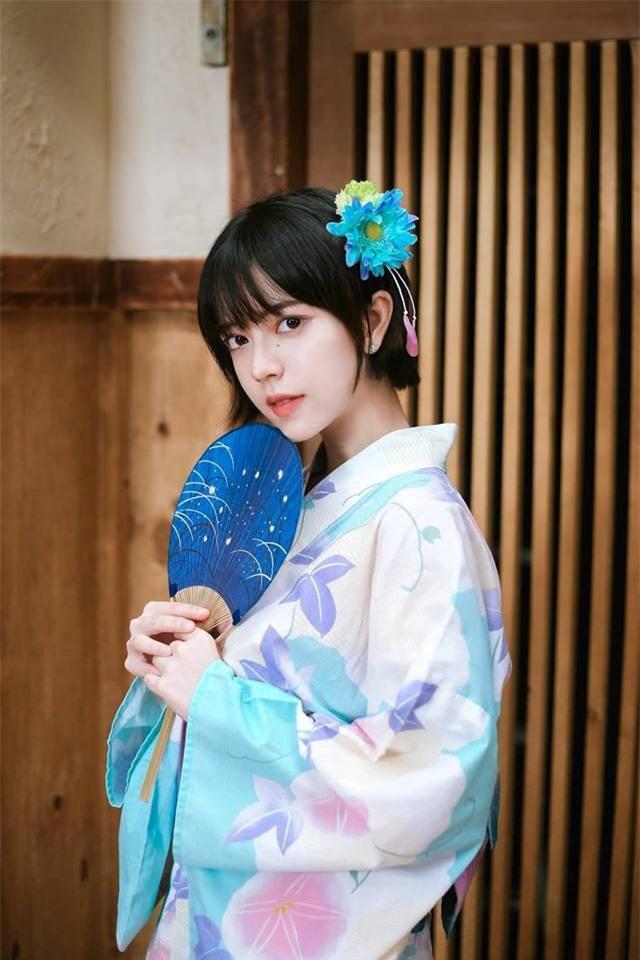 Thư mặc Yukata của Nhật Bản.