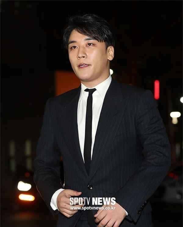 Nín thở trước danh tính 2 sao nữ tiếp theo bị nghi liên quan đến chatroom tình dục của Seungri và Jung Joon Young - Ảnh 2.