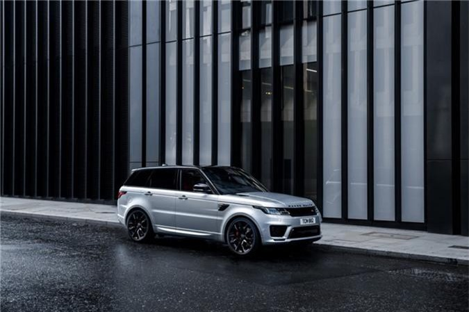 Land Rover bắt đầu mở kênh đặt hàng cho Range Rover Sport 2019 với hai dòng phiên bản P360 và P400 hybrid hạng nhẹ.