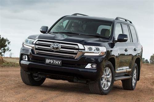=1. Toyota Land Cruiser (doanh số: 0 chiếc).