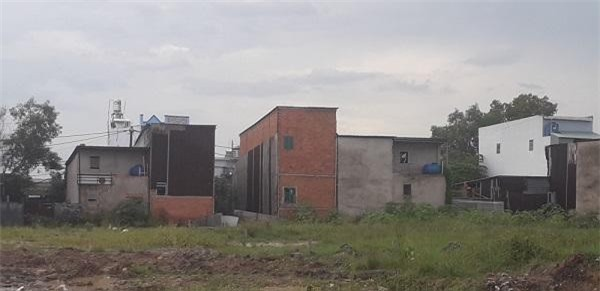 Thời gian qua, tình trạng nhà xây dựng không phép tại huyện Bình Chánh diễn ra rất phức tạp (Ảnh: TL)