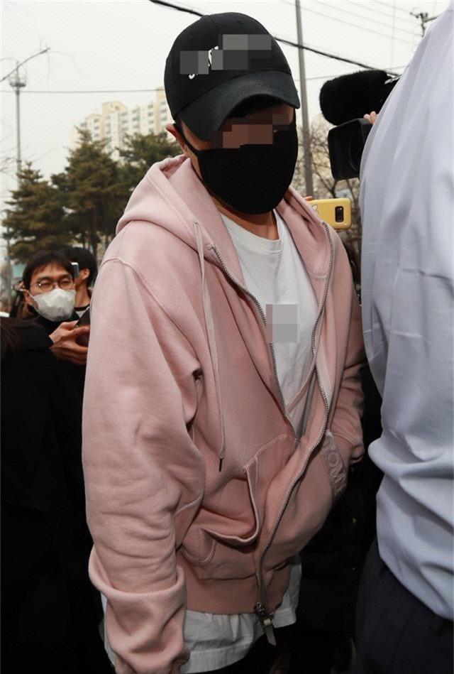 Cảnh sát chính thức buộc tội CEO Burning Sun và 39 đối tượng vì cáo buộc liên quan đến ma túy, còn Seungri thì sao? - Ảnh 1.