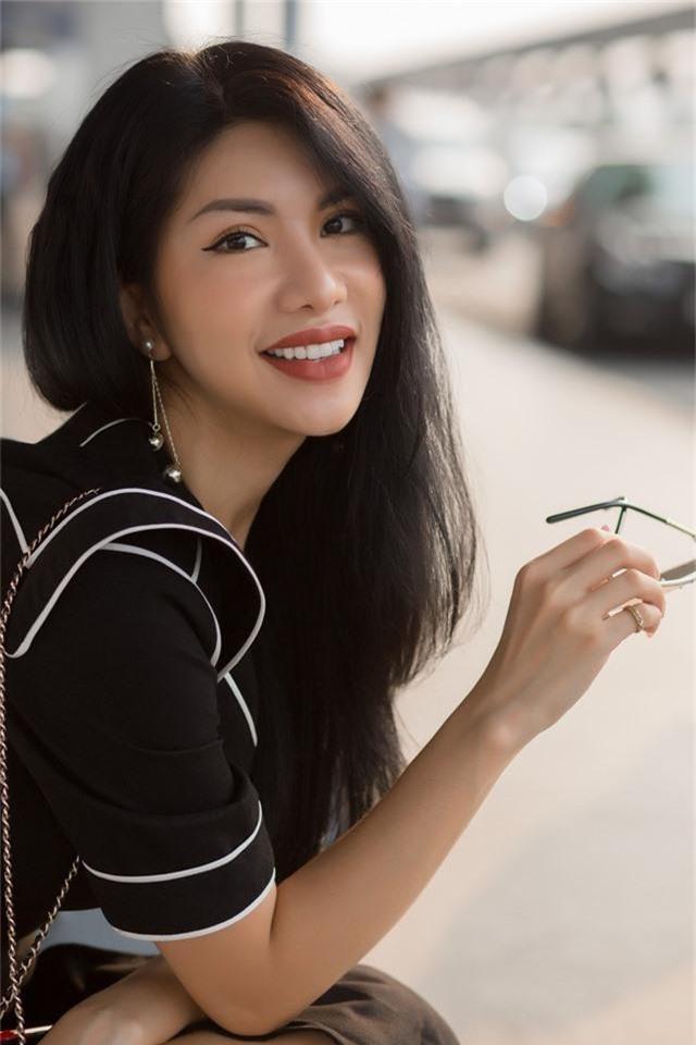 Hoa hậu Quý bà Loan Vương làm khách mời tại LHP Quốc tế Hong Kong 2019 - Ảnh 1.
