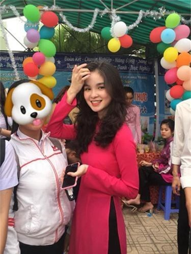 "Nu sinh Nha Trang bi nham la co giao vi ""dep xuat sac"""