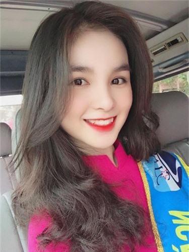 "Nu sinh Nha Trang bi nham la co giao vi ""dep xuat sac""-Hinh-3"