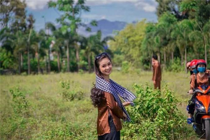 "Nu sinh Nha Trang bi nham la co giao vi ""dep xuat sac""-Hinh-6"