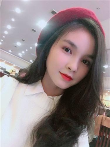 "Nu sinh Nha Trang bi nham la co giao vi ""dep xuat sac""-Hinh-9"