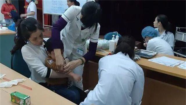 Bộ Y tế: Dừng việc lấy mẫu xét nghiệm chẩn đoán sán dây lợn  - 1