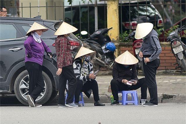 """Vé chợ đen xem U23 Việt Nam ế ẩm, phe vé """"méo mặt"""" - 2"""