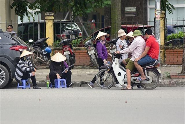 """Vé chợ đen xem U23 Việt Nam ế ẩm, phe vé """"méo mặt"""" - 3"""