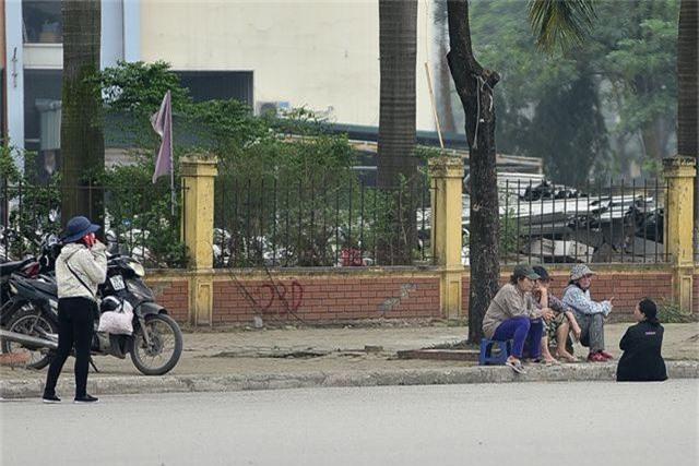 """Vé chợ đen xem U23 Việt Nam ế ẩm, phe vé """"méo mặt"""" - 4"""