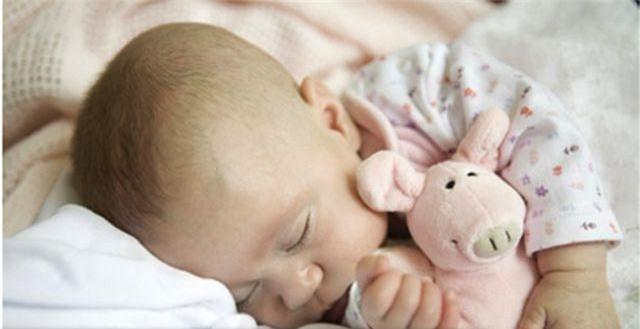 Những điều bạn cần biết về giấc ngủ của em bé mới sinh - 1