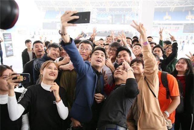 Galaxy S10 bán chạy gấp đôi Galaxy S9, thiết lập kỷ lục mới tại Việt Nam - 3