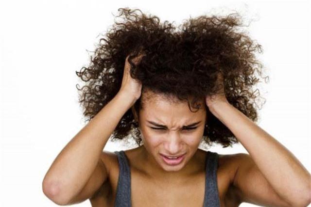 Nhận biết tình trạng sức khỏe của bạn qua mái tóc - Ảnh 1.