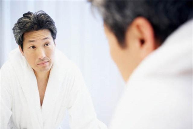 Nhận biết tình trạng sức khỏe của bạn qua mái tóc - Ảnh 5.