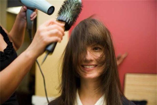 Nhận biết tình trạng sức khỏe của bạn qua mái tóc - Ảnh 7.