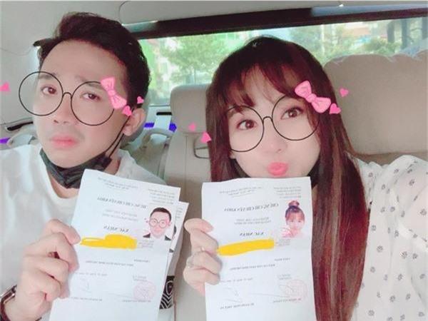 Trấn Thành bất ngờ tiết lộ kế hoạch sinh em bé vào năm 2019 , sẵn sàng chào đón Xìn con - Ảnh 1.