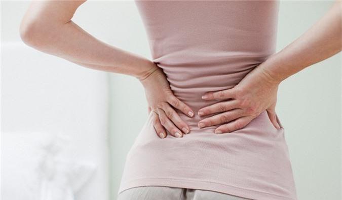 Ung thư cổ tử cung giai đoạn cuối có biểu hiện là đau lưng. Ảnh minh họa.