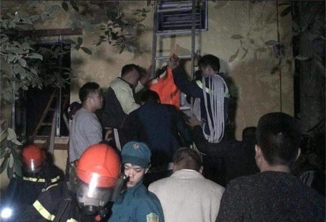 Hà Nội: Nhà 5 tầng cháy lớn, 1 người tử vong, 6 người được giải cứu - 2