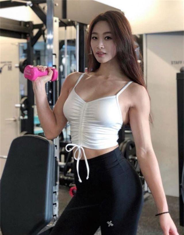 Vẻ đẹp khỏe khoắn nhờ tập của 3 gymer Hàn - 7