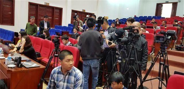 Chủ tịch Uông Bí phủ nhận thông tin nhiều quan chức đầu tư chùa Ba Vàng - 6