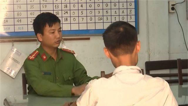 Một phóng viên bị hành hung khi đang tác nghiệp - 1