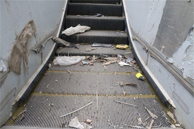 Nhiều chi tiết nhà ga tàu điện Cát Linh - Hà Đông đã hư hỏng - 10