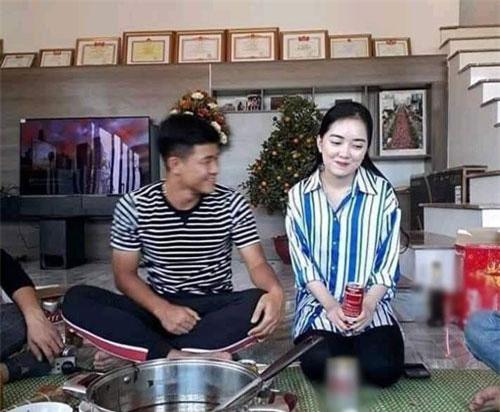 Đợt Tết Nguyên đán 2019, Đức Chinh còn đưa bạn gái về ra mắt gia đình.