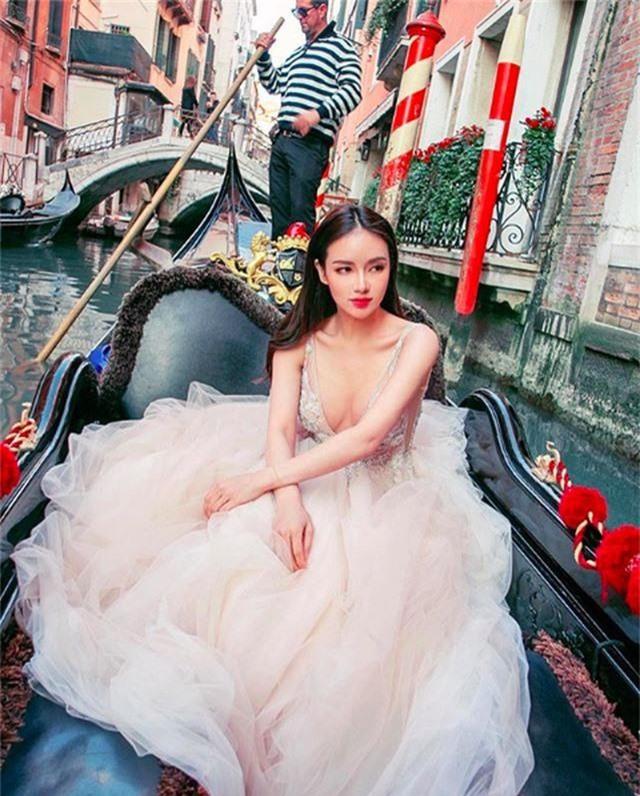 Chân dung ái nữ tỉ phú Singapore xinh đẹp, được ví như yêu nữ hàng hiệu - 11