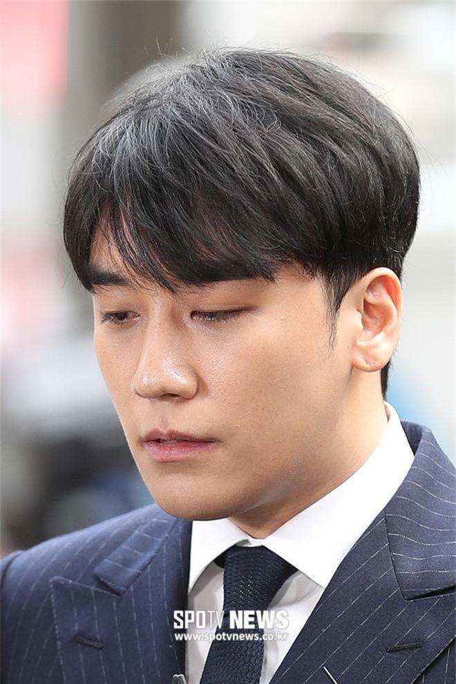 Seungri nhận gạch vì ghé tiệm làm đẹp để trang điểm kỹ, làm tóc trước khi thẩm vấn: Ý nghĩa đằng sau mới bất ngờ - Ảnh 4.