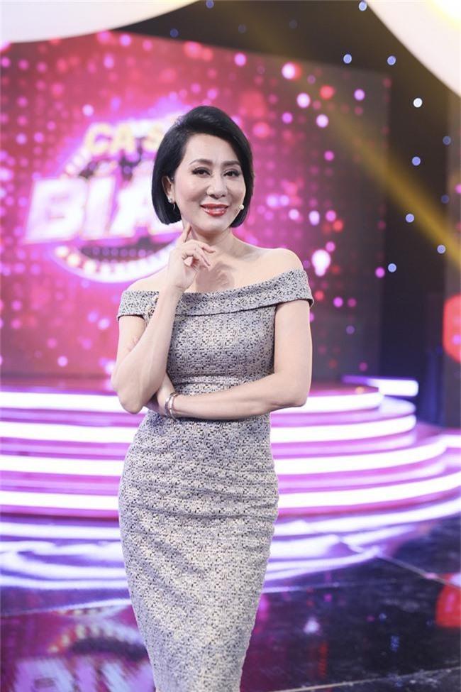 Việt Hương để tóc tém cực chất, hội ngộ cùng MC Nguyễn Cao Kỳ Duyên - Ảnh 2.