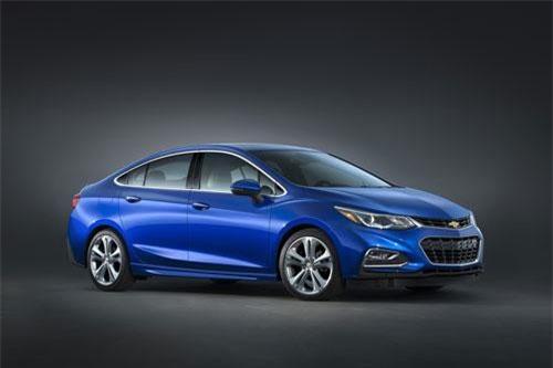 2. Chevrolet Cruze Diesel Sedan (mức tiêu hao nhiên liệu: 7,6 lít/100 km).