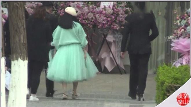 Rộ tin đồn Phạm Băng Băng tổ chức đám cưới với Lý Thần tại Paris vào tháng 4 tới vì đã có bầu - Ảnh 4.