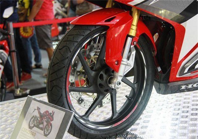 Honda CBR250RR 3.jpg