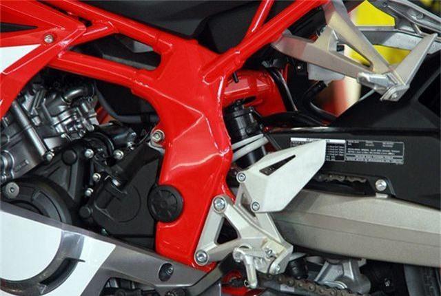 Honda CBR250RR 4.jpg